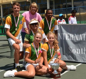 (Back from left to right) Jan-Louis Maritz, Leonie Grondel (Chairperson International Club South Africa), Richard Thongoana, (middle) Terrey Schweitzer (coach), (front from left to right) Zani Barnard and Lee Barnard.