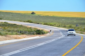 Newly surfaced Gansbaai to Bredasdorp Road