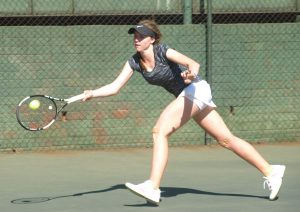Girl's top seed, Maxine Bateman of South Africa ended unseeded Cara O'Flaherty of Gauteng Central impressive run at the ITF Wanderers international junior tournament in Johannesburg on Thursday. Bateman of Umhlali in Kwa-Zulu Natal beat O'Flaherty 6-3 6-1 in the semi-finals to earn her spot in Friday's final against fifth seeded compatriot Minette Van Vreden at the Wanderers Sporting Club.