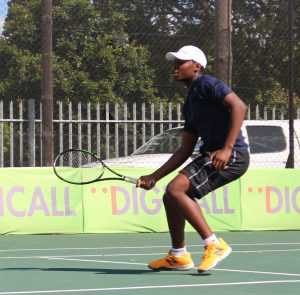 Richard Thongoana of Johannesburg, South Africa won through to Friday's semi-final of the boys singles of the Curro ITF 1 being played at the Stellenbosch University. Thongoana the top seed, battled past up and coming South African junior Lleyton Cronje, seeded eight 6-3 1-6 6-3 in the quarterfinals on Thursday. Thongoana will now face 4th seeded compatriot Philip Henning in Friday's semi-final.