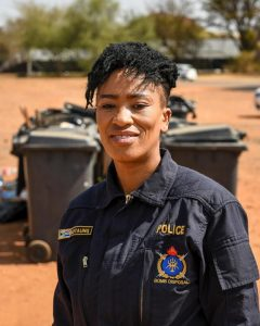 Read more about the article SAPS PAYS TRIBUTE TO WOMEN IN LAW ENFORCEMENT: CONSTABLE MOTAUNG, A BOMB DISPOSAL SPECIALIST WARNS THE PUBLIC TO STAY AWAY FROM ATM BOMBING AND CIT CRIME SCENES