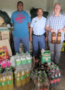 Read more about the article Umkomaas Police donates to Khanya Hospice